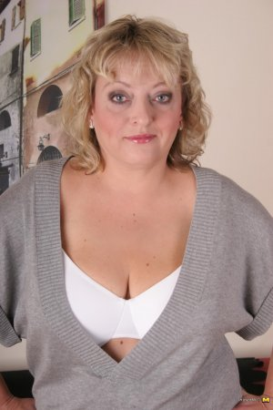 Nicoletta gfe swing parties New Albany, OH