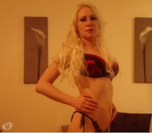 Stacey desi escorts in Castleford